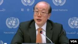 류제이 유엔주재 중국대사가 1일 기자회견을 하고 있다