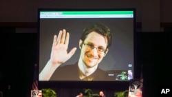 Edward Snowden en un video desde Moscú en un foro patrocinado por la Unión Americana de Libertades Civiles (ACLU) en Hawaii, el 14 de febrero de 2015.