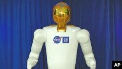 Taipan Rusia Dmitry Itskov adalah pendiri Proyek 2045 yang bertujuan menggantikan tubuh manusia dengan robot 'Avatar' (foto: ilustrasi robot manusia yang dikembangkan NASA dan General Motors).