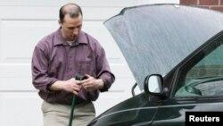 Эверетт Датчке у своего дома в городе Тупело в штате Миссисипи. 26 апреля 2013 г.