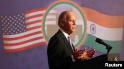 拜登星期三在孟買證券交易所發表演講