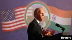 Wapres AS Joe Biden memberikan sambutan di Bursa Saham Bombay (BSE), Mumbai (24/7).