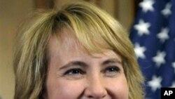 受枪击的美国女众议员吉福兹