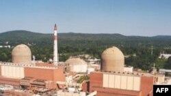 """Nyu-York shahridan 61 kilometr narida, Gudzon daryosi bo'yida joylashgan """"Indian Point"""" zavodida 1970-yillar o'rtalaridan beri ikki reaktor faoliyat yuritadi."""