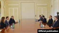 Prezident İlham Əliyev və ABŞ elçisi Amoş Hokştayn
