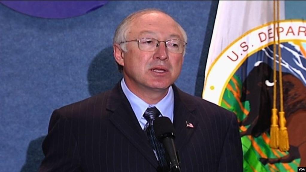 Кен Салазар, выдвинутый на должность посла США в Мексике (архивное фото)