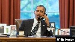 Presiden AS Barack Obama berbicara melalui telepon dengan Presiden Iran Hassan Rouhani hari Jumat 27/9 (foto: dok).
