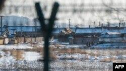 지난해 1월 중국 단동에서 압록강 너머로 바라본 북한 신의주.