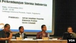 Diskusi tentang Cinephilia dan Perkembangan Sinema Indonesia dalam acara Jogja-NETPAC Asian Film Festival (JAFF) 2011 di Yogyakarta.