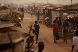 Début du retour des déplacés à leur domicile à Bangui, reportage de Freeman Sipila