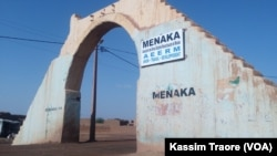 La'entrée de la ville de Ménaka, MAli.