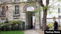 프랑스에서 유학 중이던 북한 유학생 한 모씨가 자신을 강제 소환하러 온 북한 호송조에 붙잡혔다가 탈출한 것으로 알려졌다. 한씨가 다닌 파리의 프랑스 국립 라빌레트 건축학교 모습.