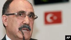 Eski Başbakan Yardımcısı ve AKP Genel Başkan Yardımcısı Beşir Atalay