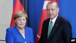 د جرمني صدراعظمه انگلا مرکل او د ترکیې جمهور رئیس رجب طیب اردوغان