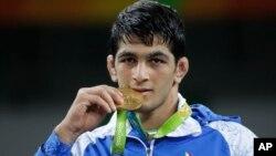 حسن یزدانی، قهرمان وزن ۷۴ کیلوگرم کشتی آزاد المپیک