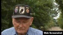 미군 네트워크(AFN)가 제작한 참전용사 아든 로울리(Arden Rowley)씨 영상 인터뷰의 한 장면.