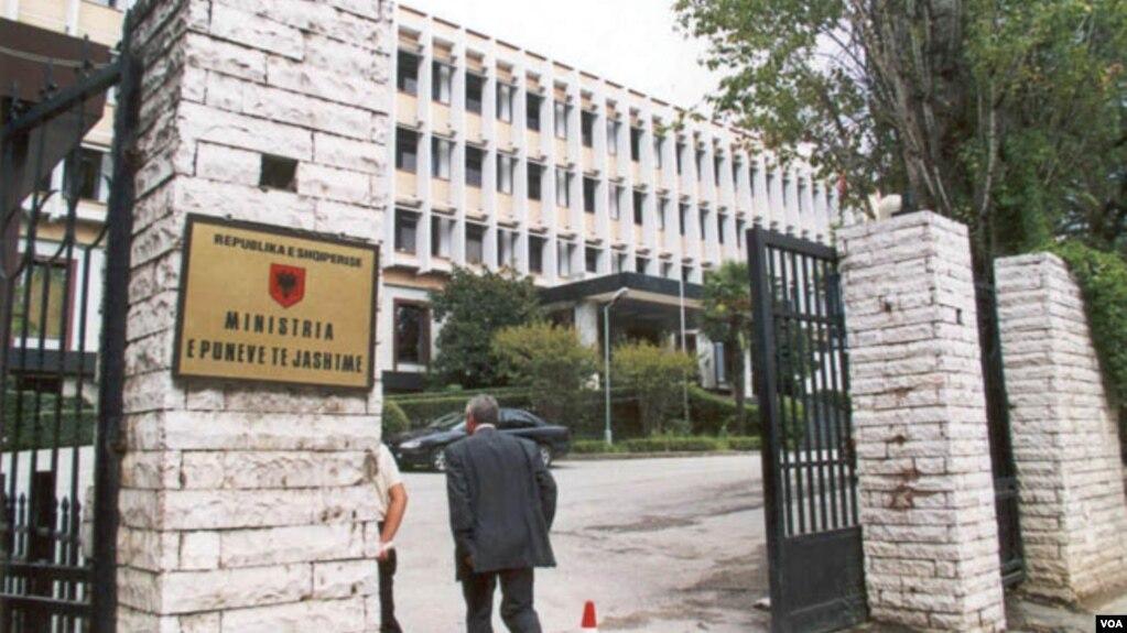 Shqipëria dëbon dy diplomatë rusë, Maqedonia një