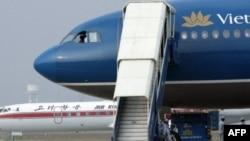 1 cựu tiếp viên hàng không bị truy tố vì dọa có bom trên chuyến bay