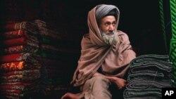 حدود ۸۵ در صد قالین افغانستان با نام پاکستان به بازار های جهانی صادر می شود