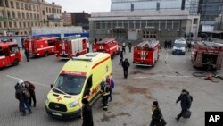 圣彼得堡一个超市一枚自制炸弹造爆炸造成至少13人受伤