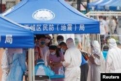 Тестування на коронавірус, Пекін, 15 червня (REUTERS)
