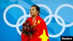 中國女子48公斤級舉重冠軍陳燮霞