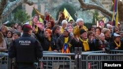 支持独立者2018年1月30日在巴塞罗纳示威(路透社)