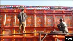 کراچی: پاکستان کے ٹرک آرٹ دنیا بھر میں مقبولیت اور منفرد مقام حاصل ہے۔