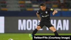 Jonathan Urretaviscaya de Pachuca cherche une ouverture sur les côtés durant le match de classement contre Al-Jazira au Mondial des des clubs, 16 décembre 2017. (Twitter / Fifa)