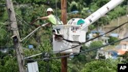 Portoriko je posle uragana više meseci bio bez struje
