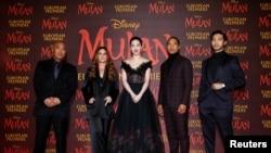 Evropska premijera filma Mulan u Londonu, 12. marta 2020. Prikazivanje u SAD je odloženo zbog pandemije.