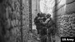 美军特种部队2016年10月在阿富汗打巷战(美国陆军照片)