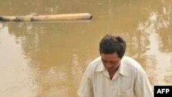 Một nhà máy xử lý nước thải quốc doanh đổ hàng triệu khối nước bẩn xuống sông