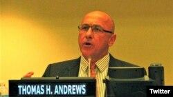 Thomas Andrews, intumwa idasanzwe ya ONU muvy'agateka ka muntu muri Myanmar.