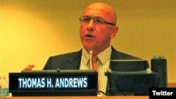 ကုလသမဂၢရဲ႕ ျမန္မာ့ လူ႔အခြင့္အေရးဆိုင္ရာ အထူးသံတမန္ Tom Andrews (ဓါတ္ပံု-Twitter@KevinCChang)