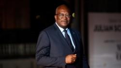 Le président Kaboré réorganise son armée