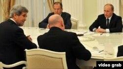 Takimi i sekretarit Kerry në Moskë