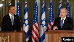 Tổng thống Obama nghe bài phát biểu của Thủ tướng Israel Benjamin Netanyahu tại một cuộc họp báo ở dinh thự của Thủ tướng tại Jerusalem, 20/3/2013 (REUTERS/Larry Downing)