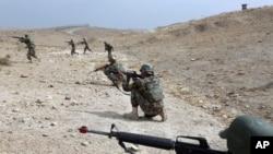 په څلورو ولایتونو کې د افغان ځواکونو او طالبانو ترمنځ تازه جګړې شوې دي