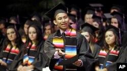 Según un reciente estudio del Centro Pew Hispanic, uno de cada cuatro niños que nacen en Estados Unidos es hispano.