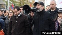 Nikol Paşinyan Yerevanda yürüş keçirir. 24 noyabr, 2018