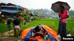 ရိုဟင္ဂ်ာဒုကၡသည္ေတြ မိုးရာသီမတိုင္ခင္ အမိုးအကာအကူအညီလိုအပ္