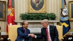 Tổng thống Trump dự kiến gặp Tổng bí thư ĐCS, Chủ tịch và Thủ tướng Việt Nam ngày 12/11