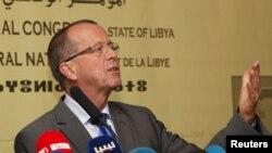 Le Représentant spécial des Nations Unies et Chef de la Mission d'appui des Nations Unies en Libye, Martin Kobler, au cours d'une conférence de presse à Tripoli, le 22 novembre 2015