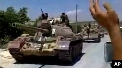 Hêzên Sûrî Li Pey Serbazên Serhildayî Digerin