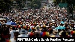 Građani Venecuele su već godinama ugroženi hiperinflacijom, nestašicama hrane i lekova – a sada ukazuju da se kriza pogoršava.