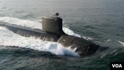 剛剛在10月25號服役的北達科他州號核潛艇是美國海軍啟用的第11艘維吉尼亞級核動力潛艇。(美國海軍網頁圖片)