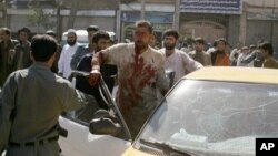 지난 8월 아프가니스탄 서부 헤랏 주에서 발생한 폭탄테러 현장. (자료사진)