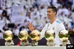 "Cristiano Ronaldo memenangkan ""Ballon d'Or"" selama 5 kali (foto: dok)."
