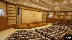 Birma rəsmisi siyasi islahatların davam edəcəyini bildirib